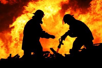 Equipamiento y mangueras para equipos contra incendios