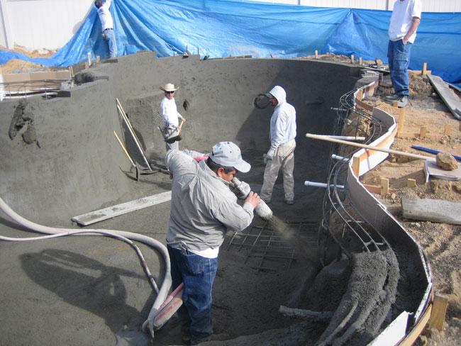Manguera para gunitado en la construcción de piscinas