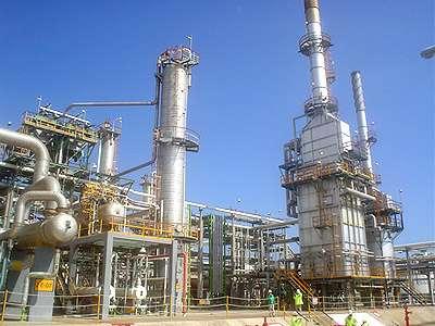 Refineria petrolifera. Mangueras para productos petroliferos, aceites, hidrocarburos
